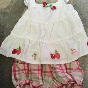 Gymboree girls 18-24 month apple set